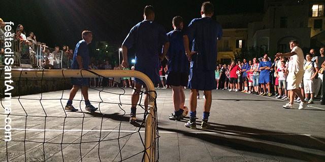 Aspettando la Festa di Sant'Anna: un torneo di street soccer decide l'ordine di sfilata delle barche