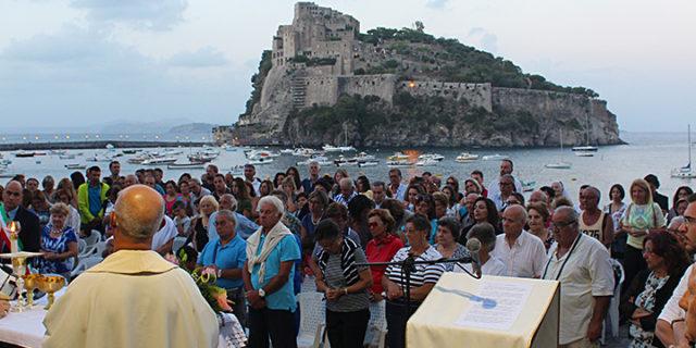 Aspettando la festa. La Messa nella Cappella di Sant'Anna